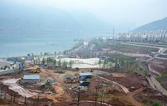 """""""绥江县市民广场的规划,建设紧扣生态园林县城的定位,服务于绥江旅游"""
