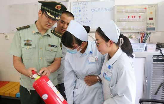 泸西消防联合卫生部门深入辖区医院开展消防安