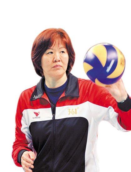 从沙滩排球转入室内排球的张常宁很可能取代惠若琪的首发位置.   郎