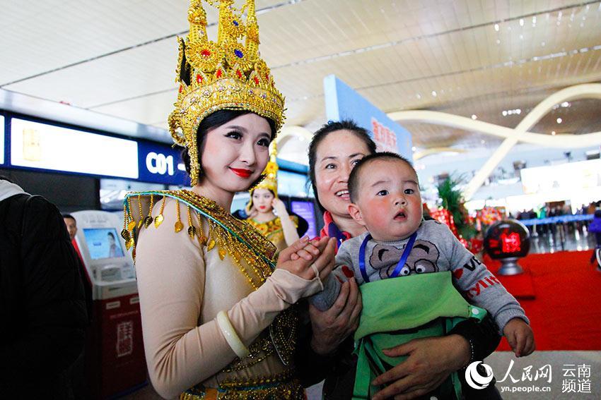 昆明往返柬埔寨西哈努克港情趣开通蚕丝穿民空姐冰航线女士内裤图片