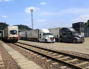中越国际铁路开行冷链运输列车