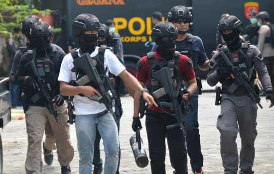 印尼警方调查泗水警察局总部遇袭事件
