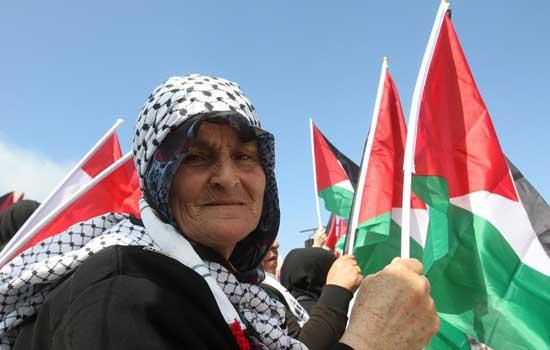 """在黎巴勒斯坦难民纪念""""灾难日"""""""