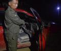 3男子深夜跨县去找下酒菜 近日,云南三名男子深夜跨县打猎,被民警查获,民警查获了枪支弹药。