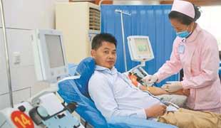昆明男子24年献血421次