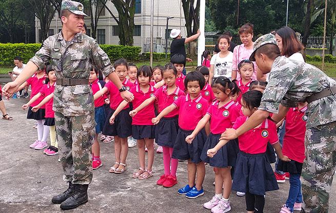 """云南德宏:150名""""小兵""""进军营"""