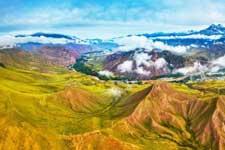 航拍祁连山下最美草原