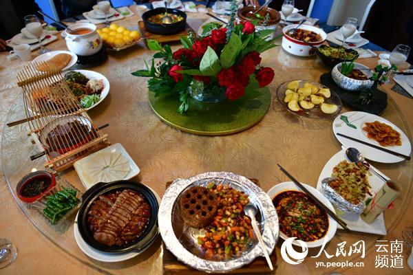 云南美食之旅首届拓东酱油美食节隆重开幕