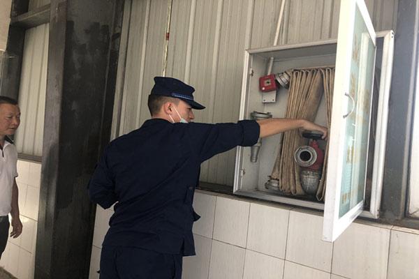 昆明宜良县消防大队开展消防产品