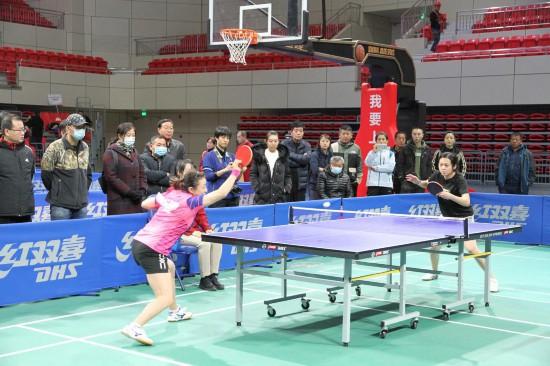 中国职工乒乓球联赛总决赛落幕 名宿张燮林等助阵